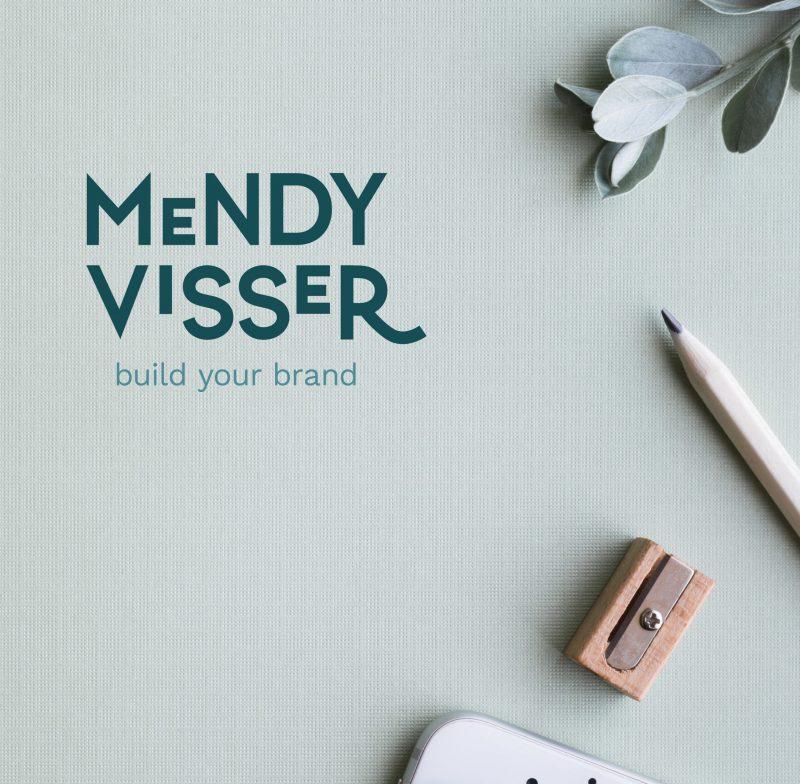 Sfeerfoto met logo van Mendy Visser